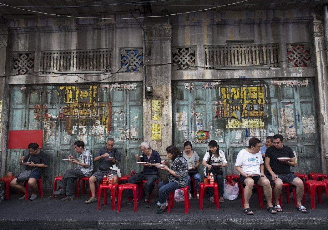 不會吧… 曼谷市政府要全面禁止路邊攤