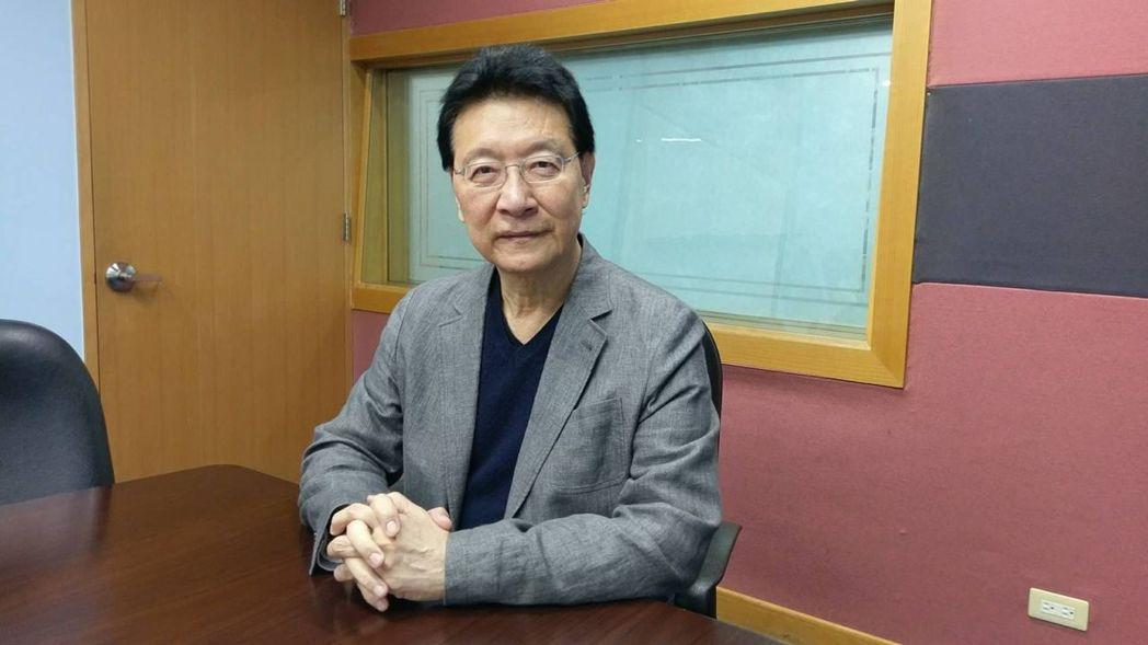 趙少康曾任飛碟電台董事長,現為中國廣播公司董事長兼總經理,並在中廣流行網與TVB...