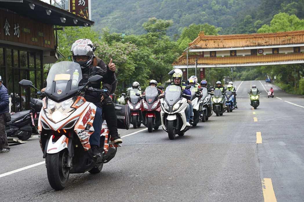 「覺旅環島」活動,自2011年舉辦至今已邁入第7個年頭,參加人數逐年遞增。圖/光...