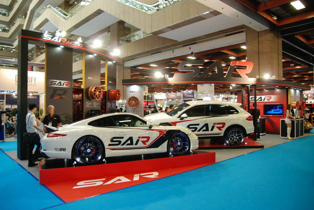 巧新科技於今(19)日登場的 AMPA 台北汽車零配件展中公布更多 SAiRac...