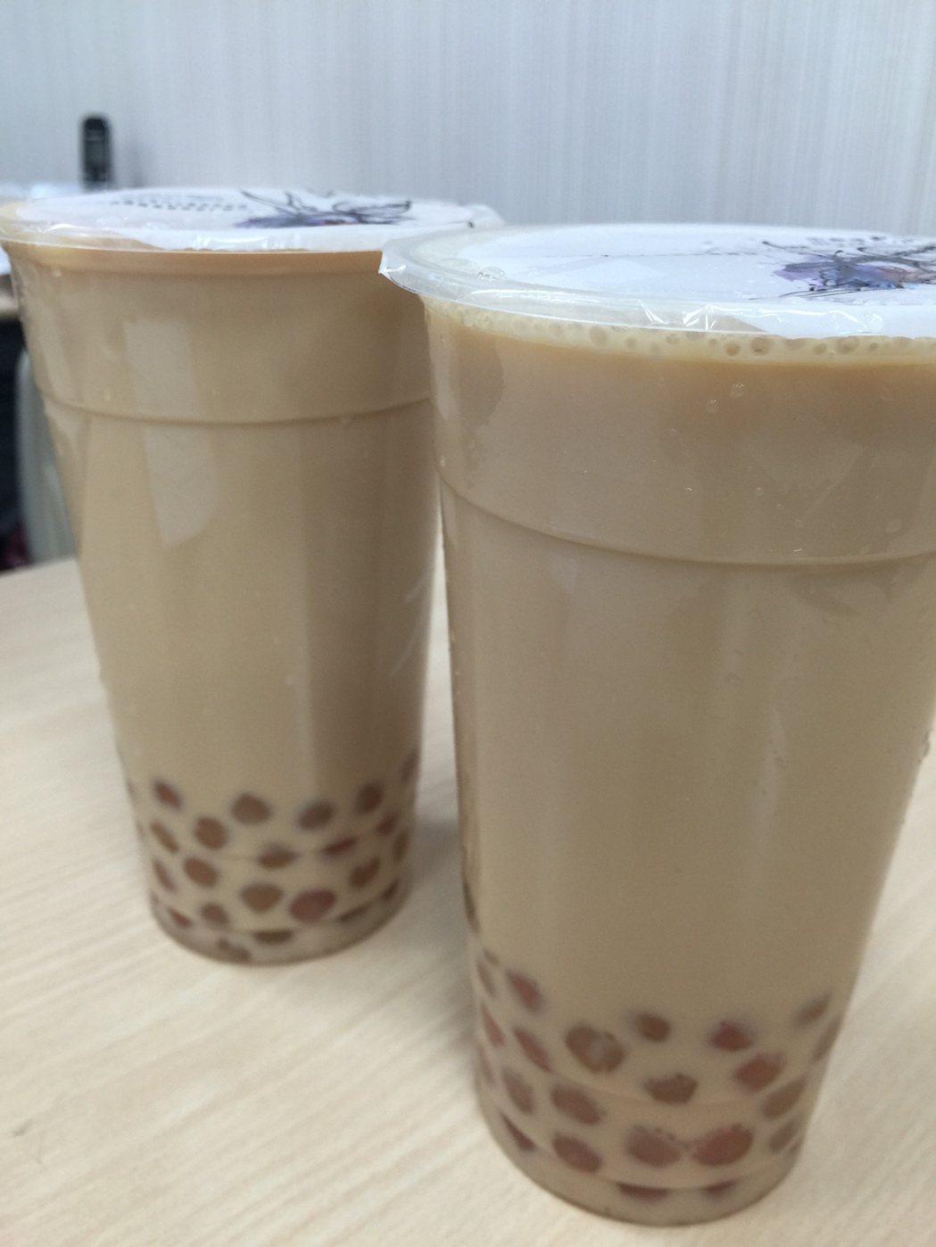 珍珠奶茶雖能短暫充飢、增添飽足感,但不宜長期飲用,甚至取代正餐,容易造成肥胖。...