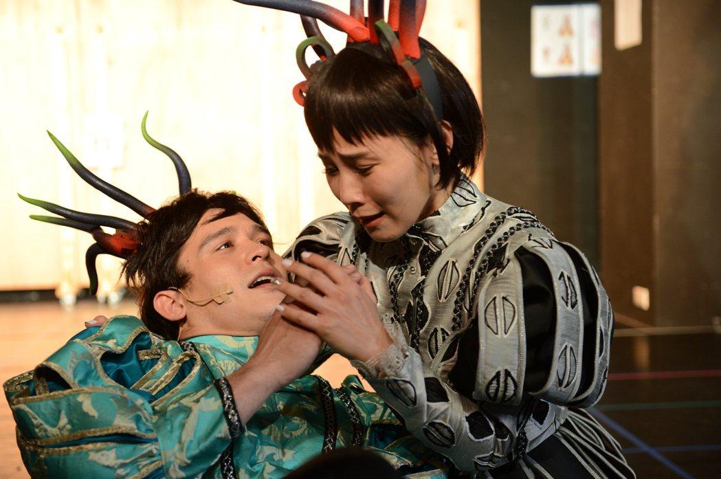 倪安東(左)與李佳薇在音樂劇中有不少對手戲。圖/寬宏提供