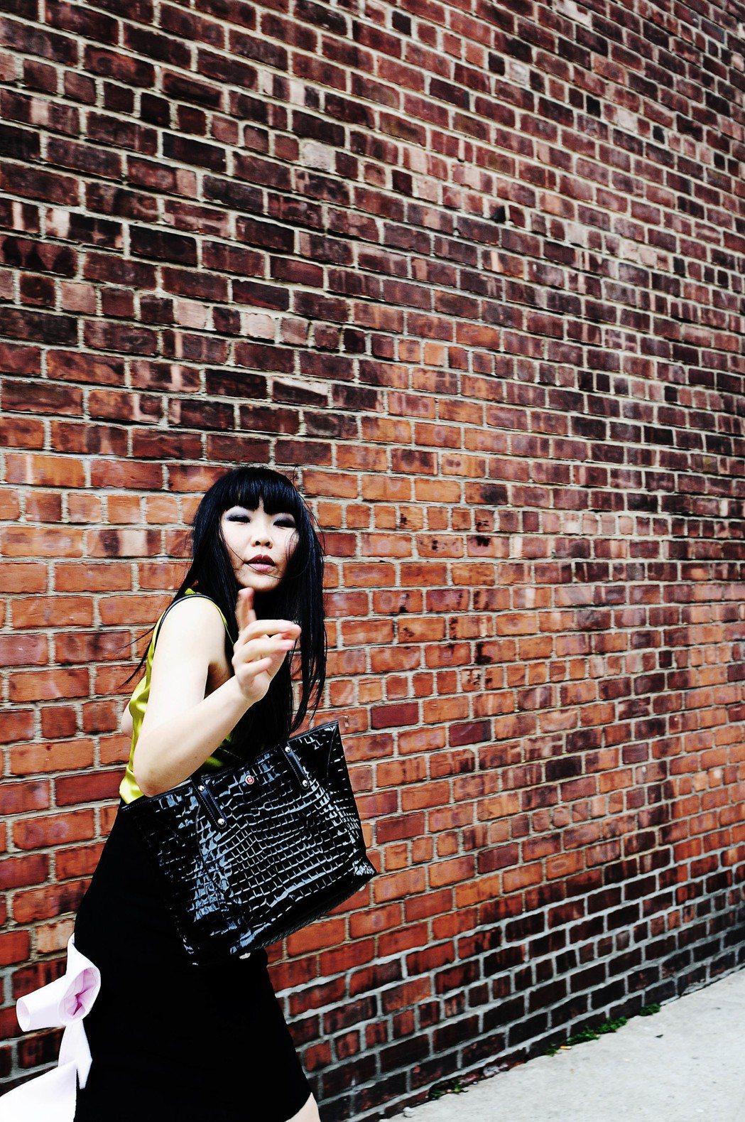 是娟改名Macy發片,旅居紐約20年上演醜女大翻身。圖/Macy工作室提供