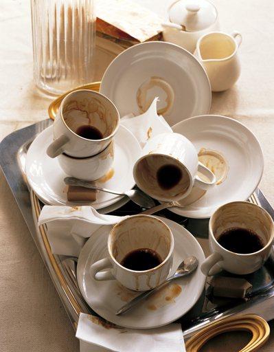 多喝水有益健康,喝茶和咖啡算不算喝水? 圖╱東方影像