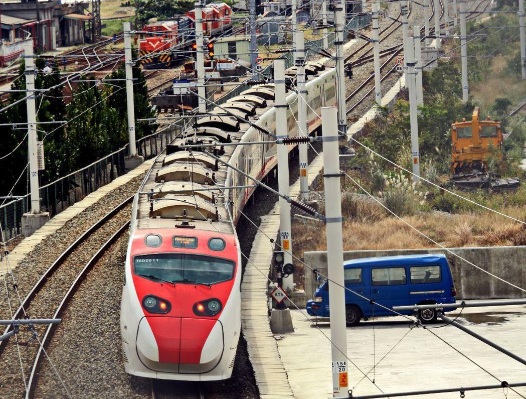 台鐵20多年未調整票價,交通部研議將調漲。 聯合報系資料照