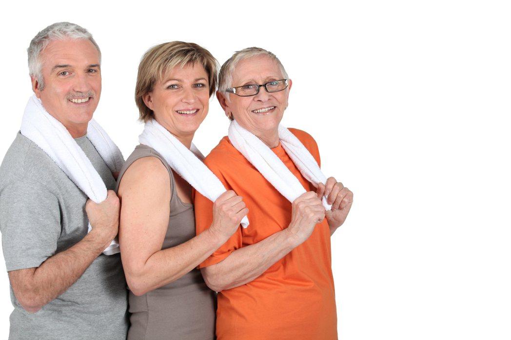 「要活就要動」,陳淑英說,長輩伴隨年紀大,身體退化,如果能藉由復健練習增加肌肉力...