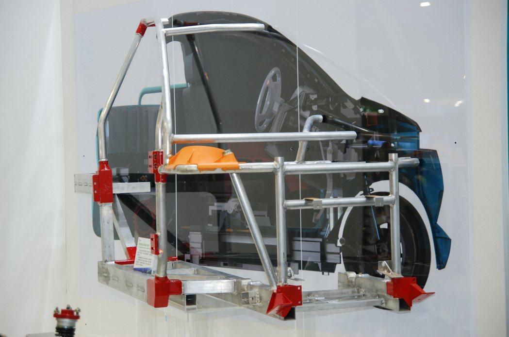 圖為輕量化鋁合金模組車架(金屬工業研發中心)。 記者林鼎智/攝影