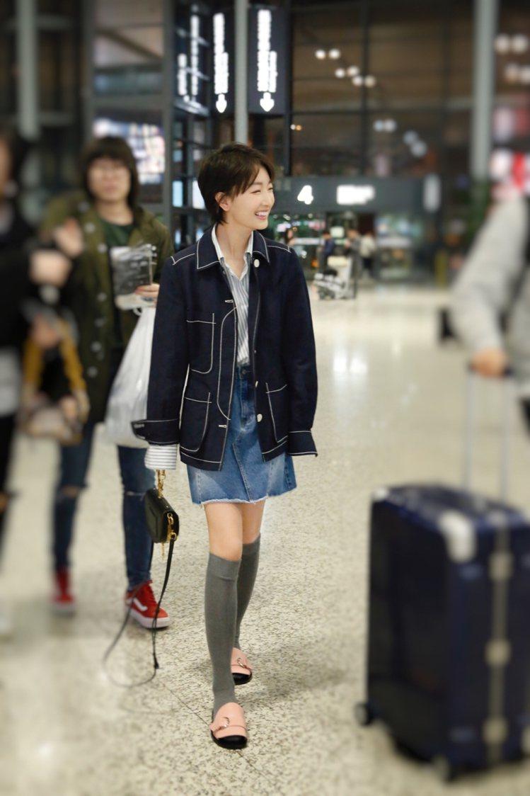 演員周冬雨以H&M 2017 年度 Conscious Exclusive 有機...