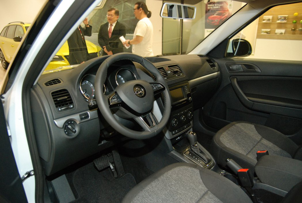 圖為Škoda Yeti Fun 享樂特仕車升級的三幅多功真皮方向盤。 記者林鼎智/攝影