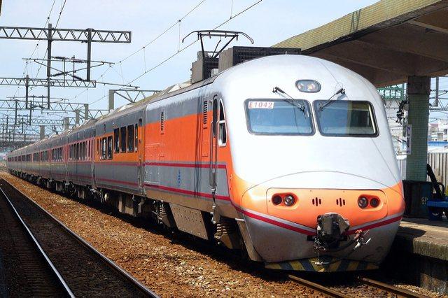 交通部長賀陳旦20日說。台鐵票價調整案將朝普悠瑪號、太魯閣號及自強號採不同費率規畫。