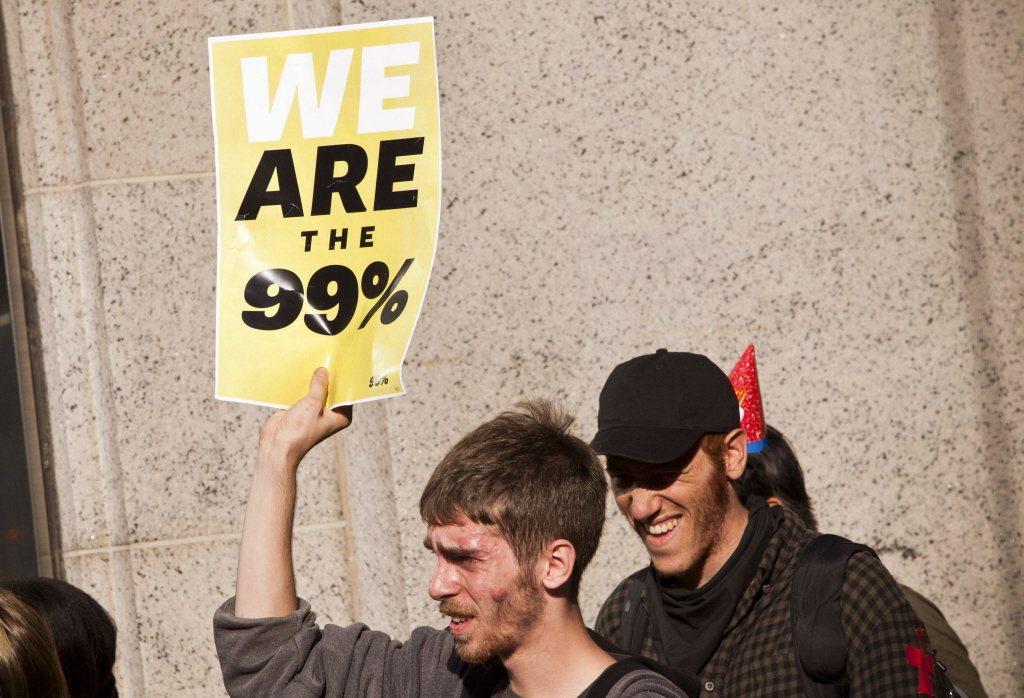 Badiou認為抗議的青年應該效法西方60、70年代反資本主義與帝國主義的學運,...