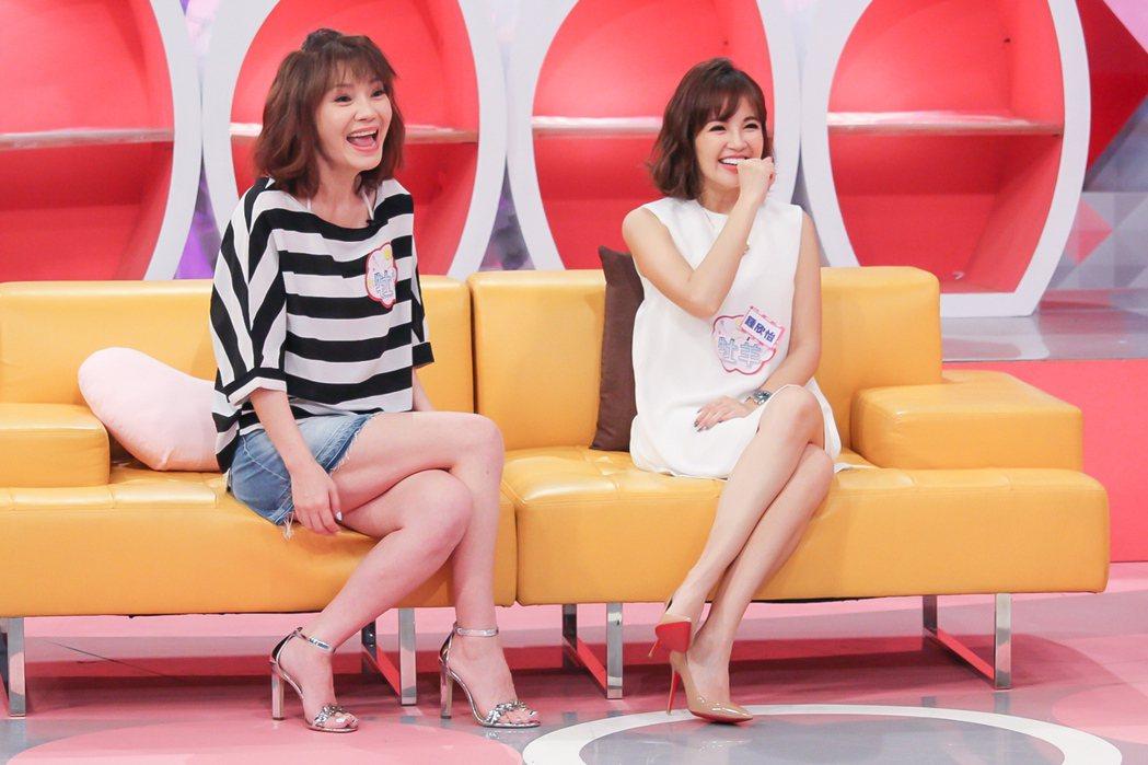 鍾欣怡(右)和甄莉。圖/TVBS提供