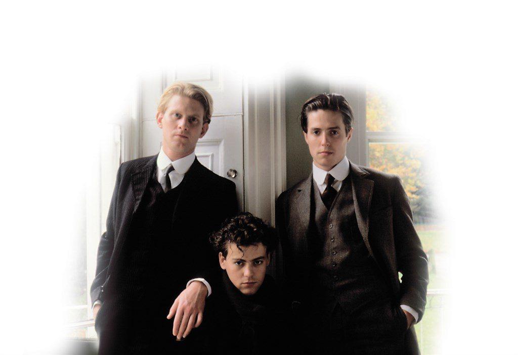 詹姆斯威比(左起)、魯伯葛夫、休葛蘭在「墨利斯的情人」演男同志。圖/摘自imdb