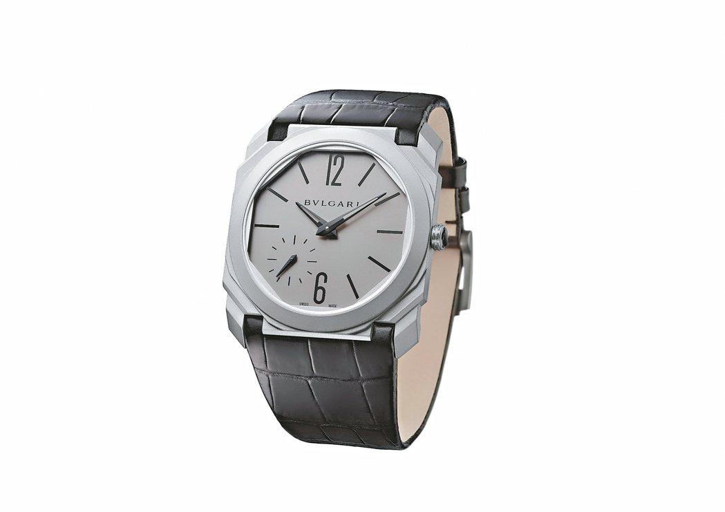 寶格麗推出創紀錄的Octo Finissimo超薄自動上鍊腕表,其機芯厚度僅2....