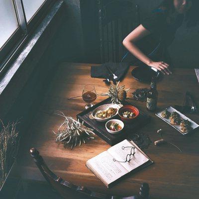 地中海食物,精緻可口,從餐具、擺盤到精選的食材,處處費心。 ◎廖玉蕙/圖片提供