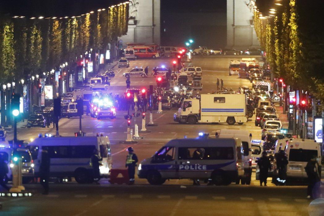 巴黎香榭麗舍大道20日晚上發生襲警槍擊。圖/歐新社