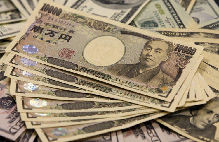 近期由於地緣政治局勢不安,避險資金又湧入日圓,推高日圓走勢。 路透
