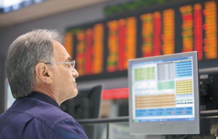 「投資人理財行為及投資意向」調查顯示,有七成三的受訪民眾表示在進行退休理財時使用...
