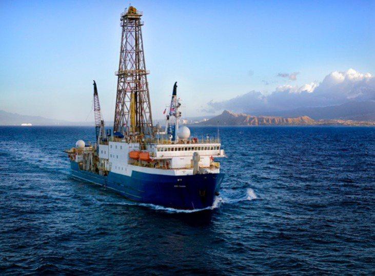 「決心」號由美國製造,是世界上最先進的大洋鑽探船之一。(取材自南方都市報)