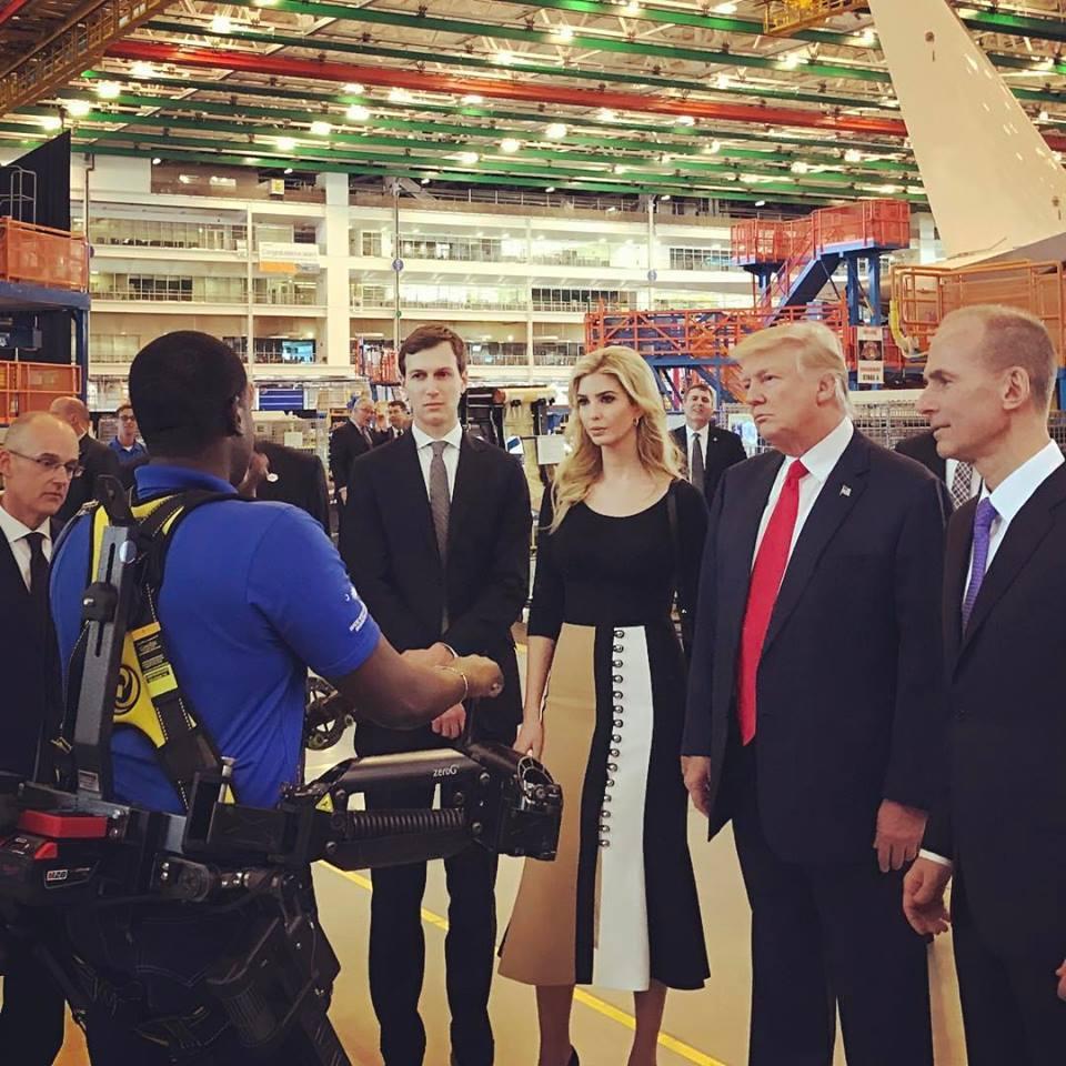 川普總統以及身邊多名親信,均名列時代雜誌全球最具影響力百大人物。facebook