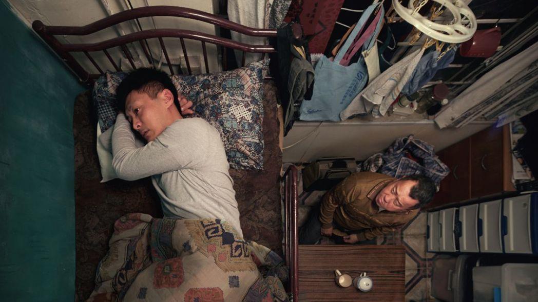 電影《一念無明》中的父子,在經歷家庭破碎後試圖重新修補關係,兩人僅有的生存空間就...