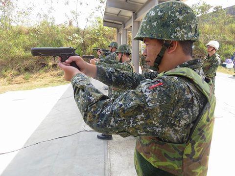 陸軍的M1911A1四五手槍。 圖/國防部提供