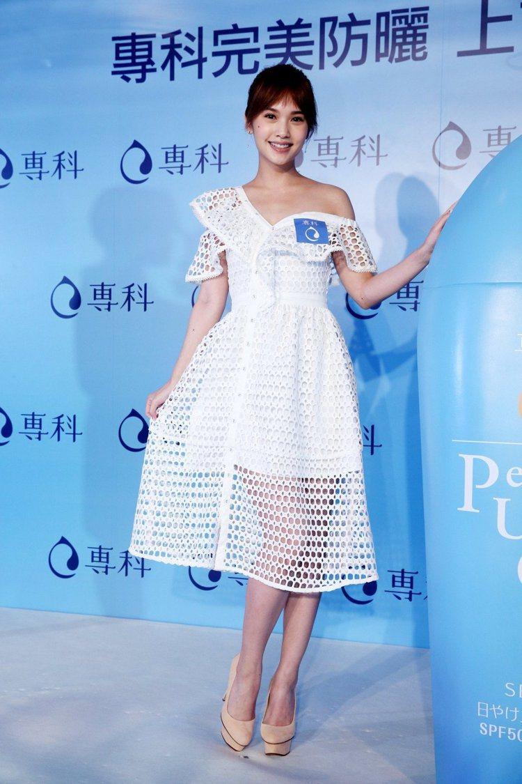 楊丞琳日前出席活動以Self-Portrait刺繡洋裝登場。記者邱德祥/攝影