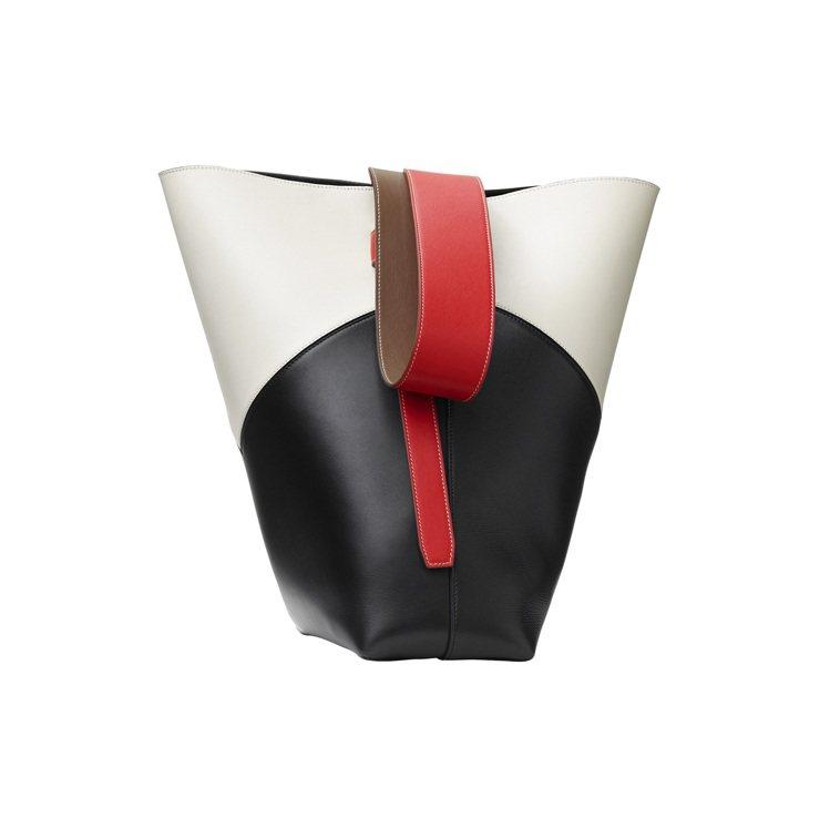 TWISTED CABAS CHEVRON米黑拼色光滑小牛皮肩背提包,售價73,...
