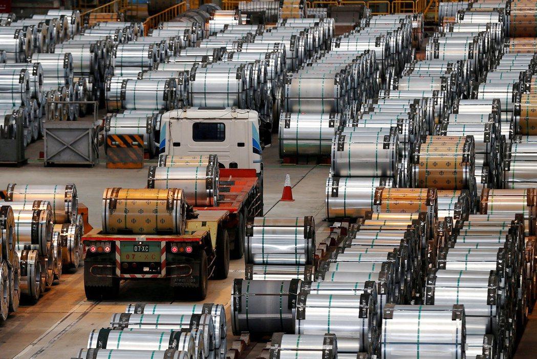 美國總統川普下令以「國家安全」為由對進口鋼鐵產品展開特別調查,市場反應淡定。圖為...