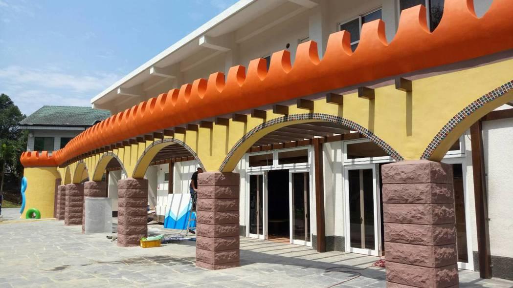 「中埔遊客中心」設計概念結合原有幼兒園童趣,將原本教室、建築改造成美麗城堡。記者...
