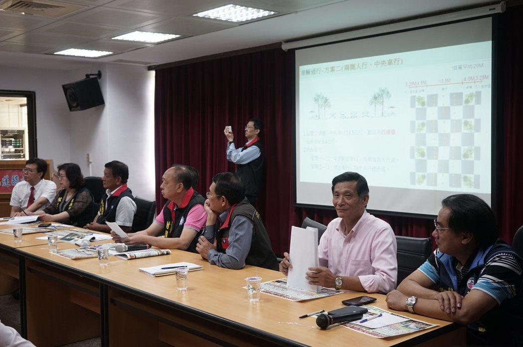 花蓮縣議會就「日出香榭大道」工程辦專案會議,多位議員出席關心。記者王燕華/攝影