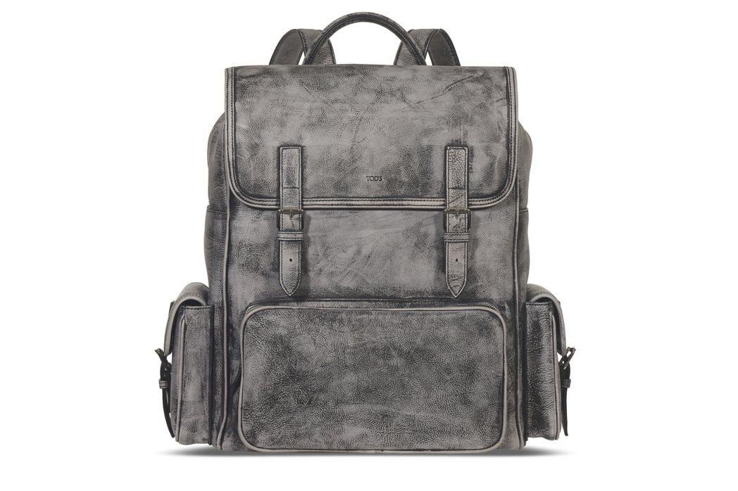 TOD'S 仿舊刷色皮革後背包,108,100元。圖/迪生提供