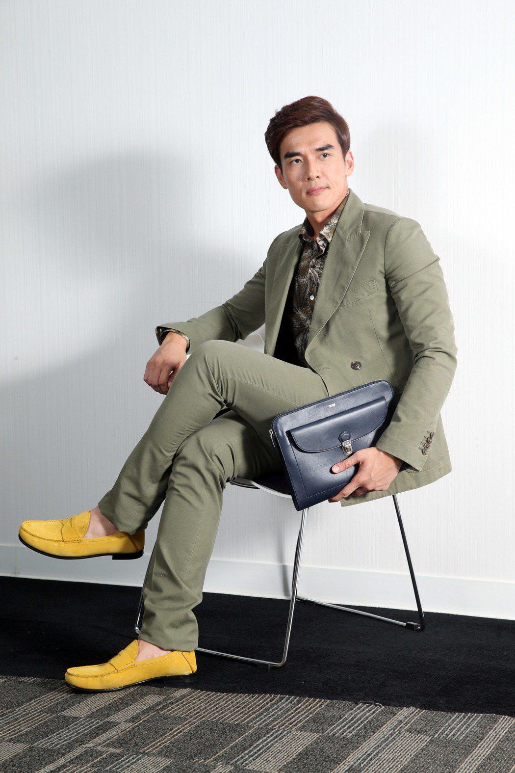 楊一展身穿TOD'S春夏新裝,展現時尚型男的魅力。記者陳瑞源/攝影