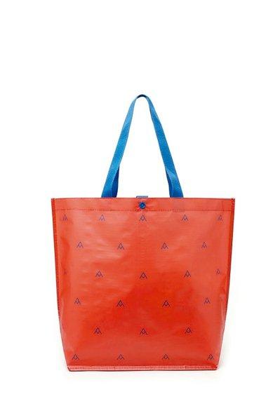 全聯請來知名設計師設計環保購物袋。 圖/全聯提供