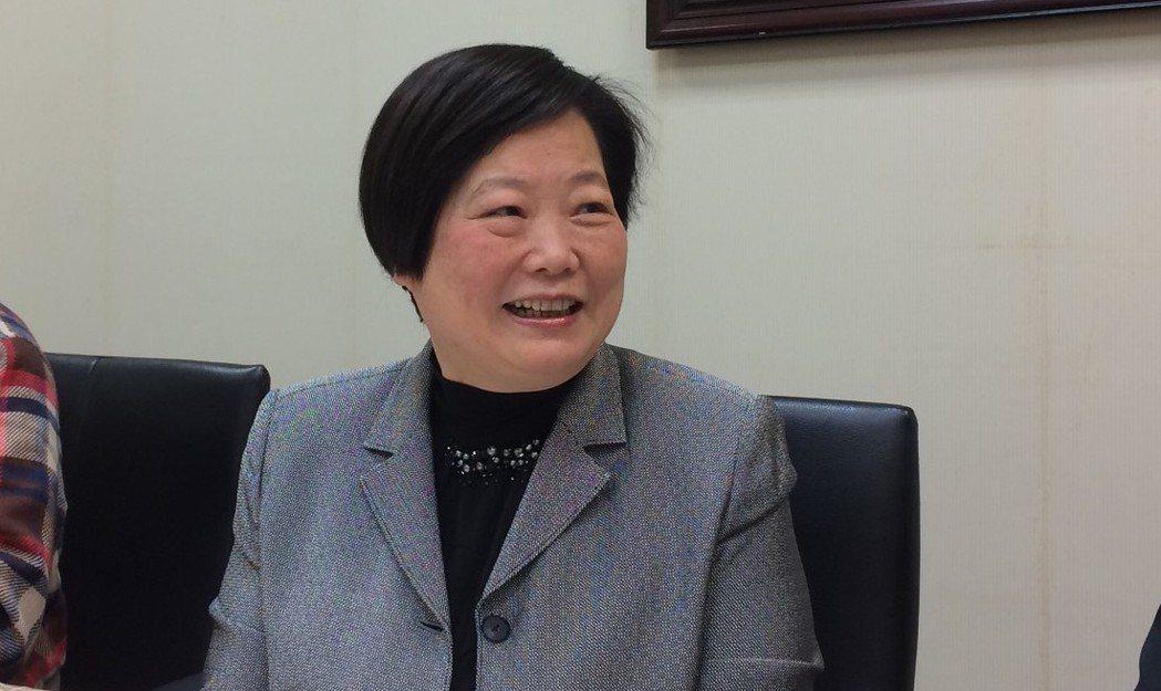 一例一休上路,工商團體不斷高喊「再修法」,勞動部長林美珠今與媒體茶敘時,針對是否...