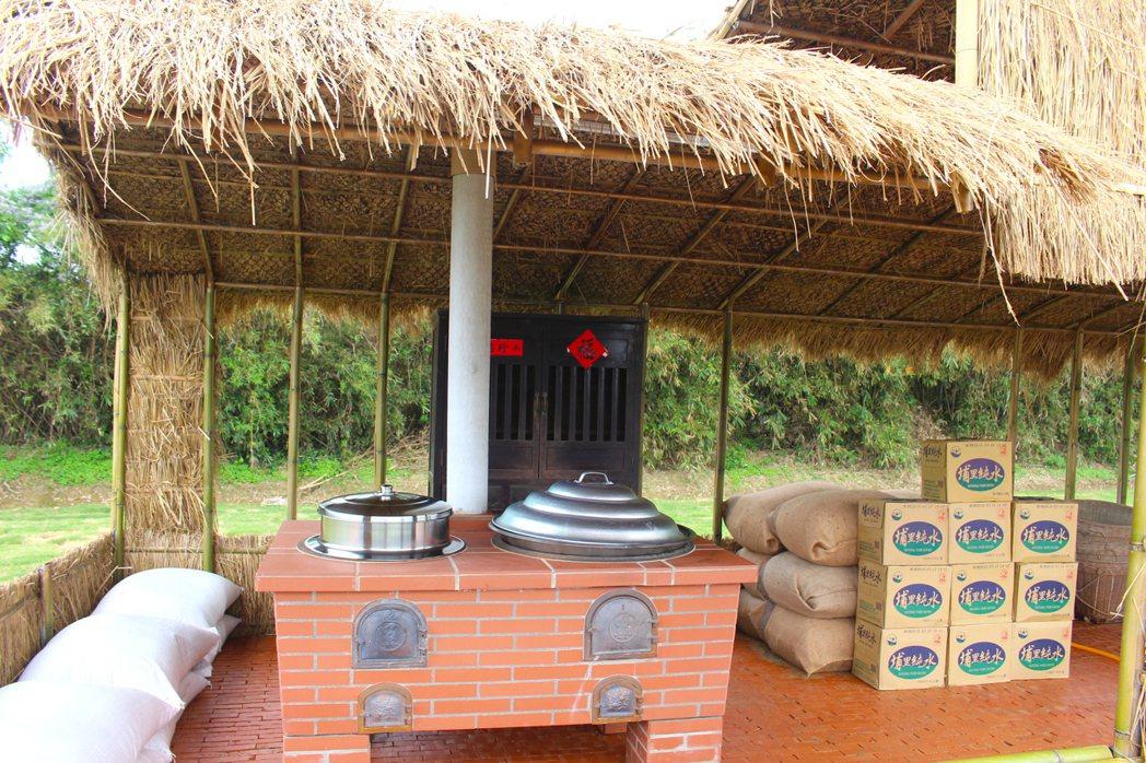米食文化區有阿嬤的大灶腳,讓小朋友了解阿嬤的時代要怎麼煮飯。記者張雅婷/攝影