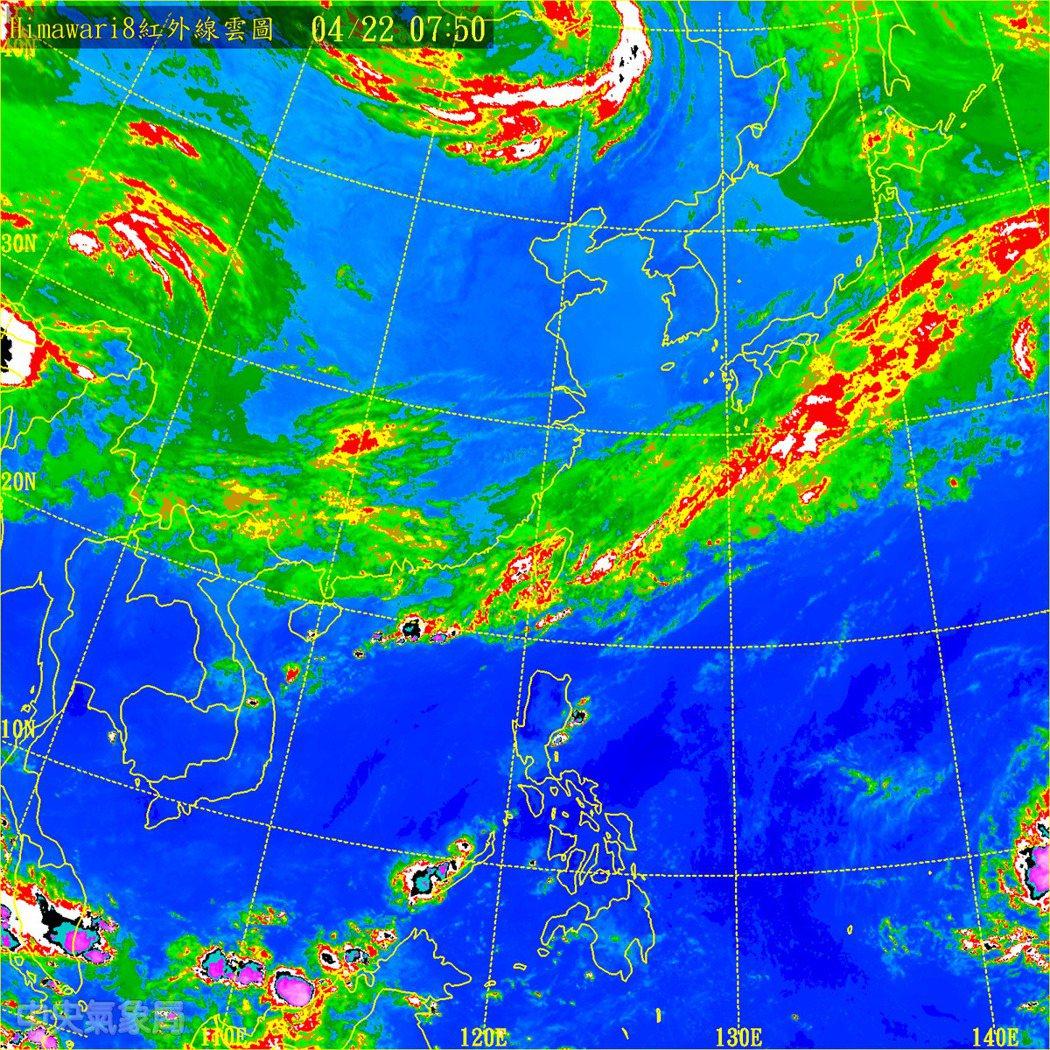 今天對流降雨明顯減弱。明天乾空氣往南移,北部天氣可望好轉放晴。摘自中央氣象局網站