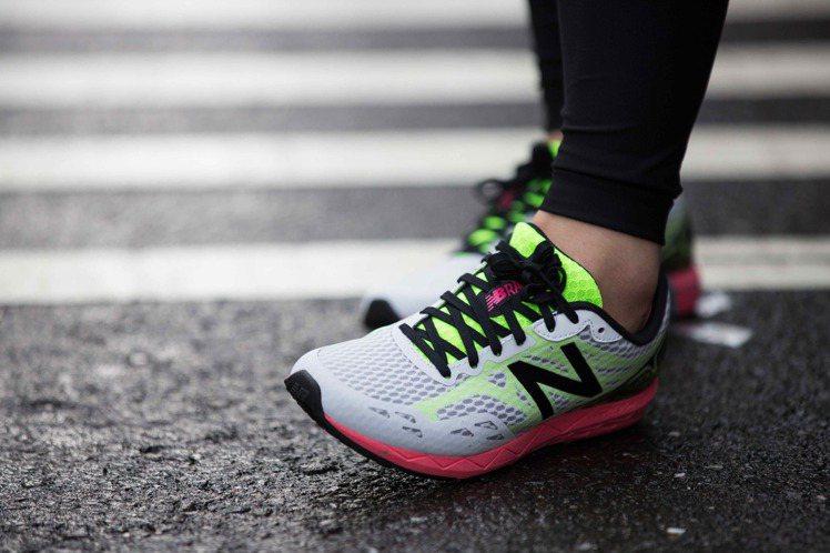 New Balance主打Hanzo跑鞋,是特別針對亞洲人腳型和跑步習慣所設計。...