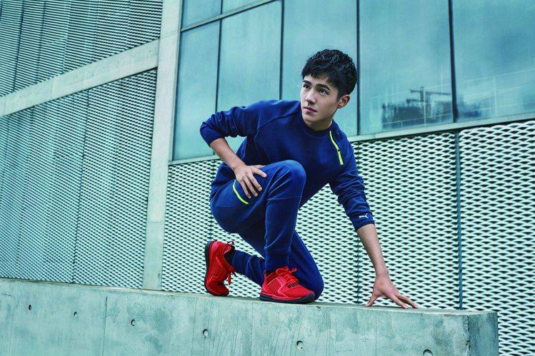 PUMA邀劉昊然代言PUMA新鞋款「IGNITE Limitless」,售價3,...