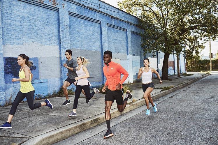 Under Armour春季一口氣推出三款功能各異的跑鞋,搶攻運動鞋市場。圖/U...