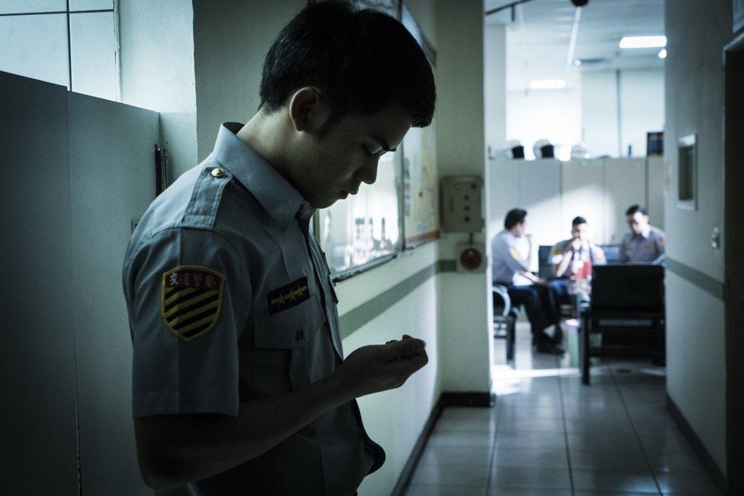 李淳為了演警察平日執勤的場面,耗費很多心思揣摩。圖/穀得提供