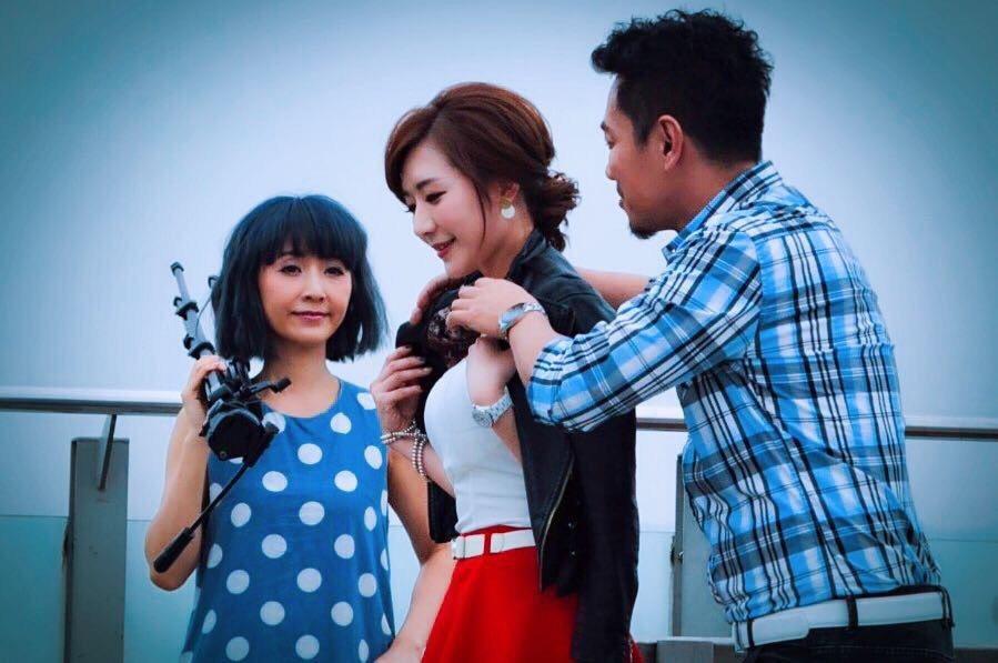 安苡葳(左起)、羅巧倫、江俊翰拍MV。圖/十分幸音樂提供