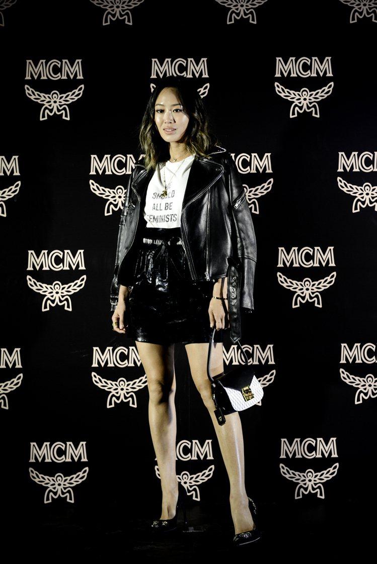 時尚部落客Aimee Song詮釋Patricia Rombi迷你型鑽石格紋黑色...