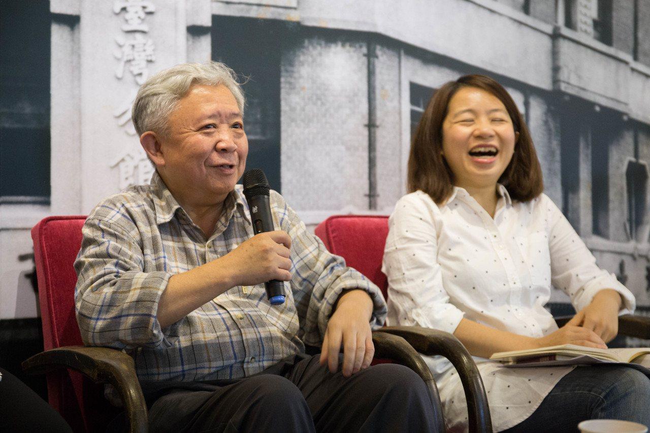 左:群學出版社總編輯劉鈐佑。右:作家楊佳嫻。