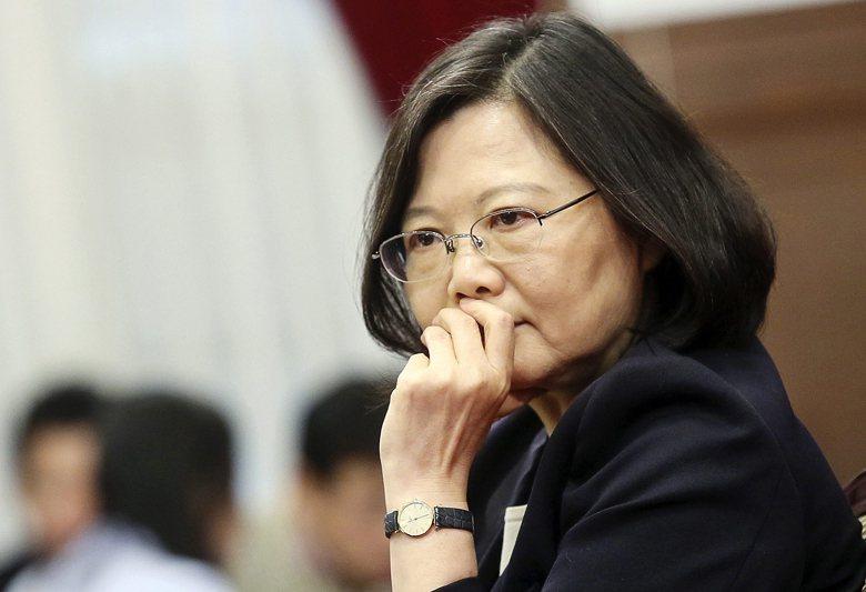 比起其他東亞國家,台灣才是最應該對川普這項發言感到憂慮的一方。台灣或許也應思考,如何在這種棋局下,提出更有力的反制論述。 圖/歐新社