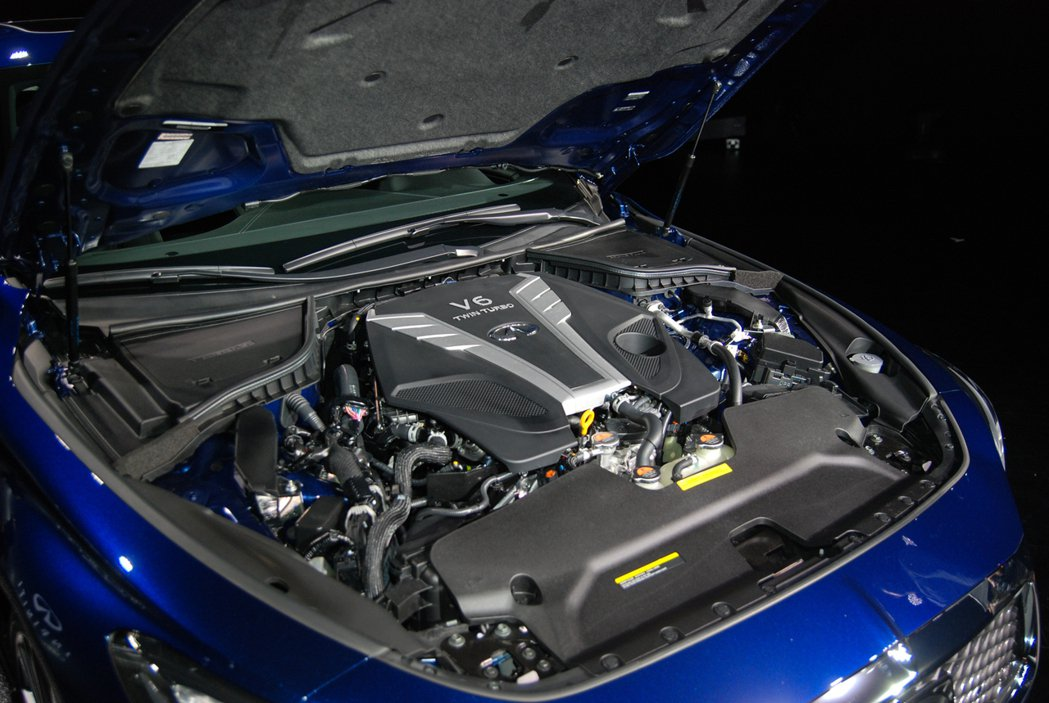 Q60S 3.0t RED SPORT 車型搭載 3.0 升 V6 雙渦輪缸內直...