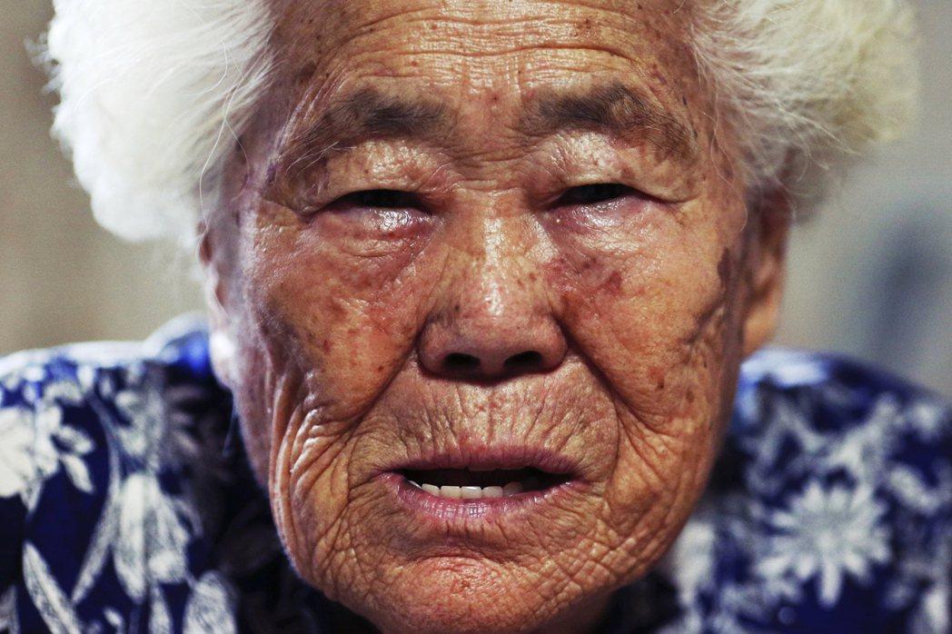 韓國阿嬤李玉順,1927年出生於釜山,大戰期間被抓去中國戰場成為日軍慰安婦。創傷...