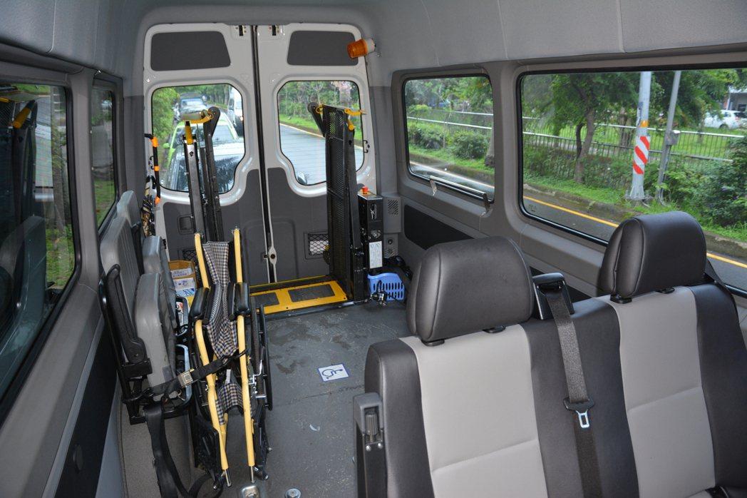 新竹市身心障礙者微旅行計畫結合加大高度的復康巴士規畫,6人成行 。記者林家琛/攝...