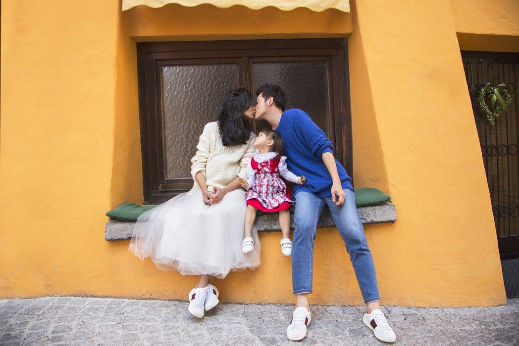 宥勝帶妻女到尼泊爾、土耳其、奧地利「婚紗之旅」,老婆挺6月肚拍婚紗照。圖/怡佳提...