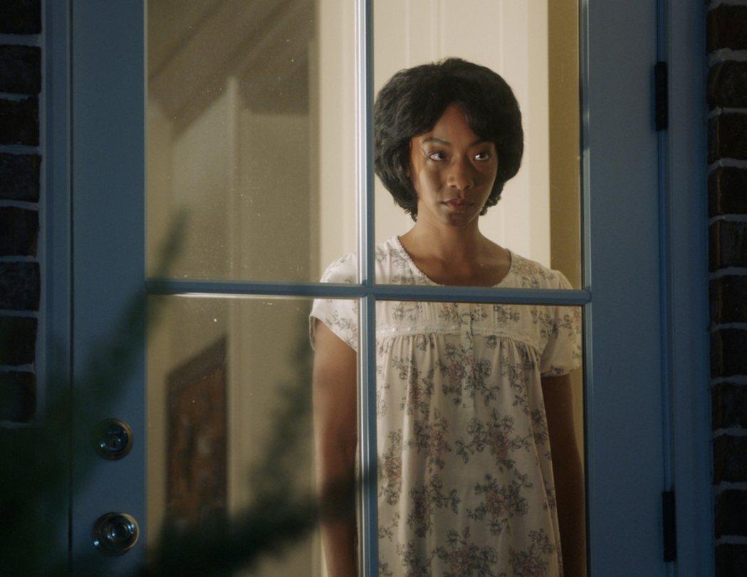 「逃出絕命鎮」是以種族議題為主軸的恐怖片,拍出新意。圖/UIP提供
